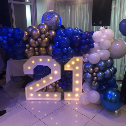 balloon white and gold balloon garland surround number 21